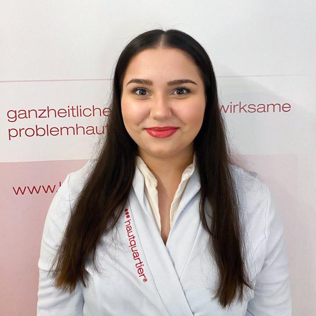 Chantalle Colar